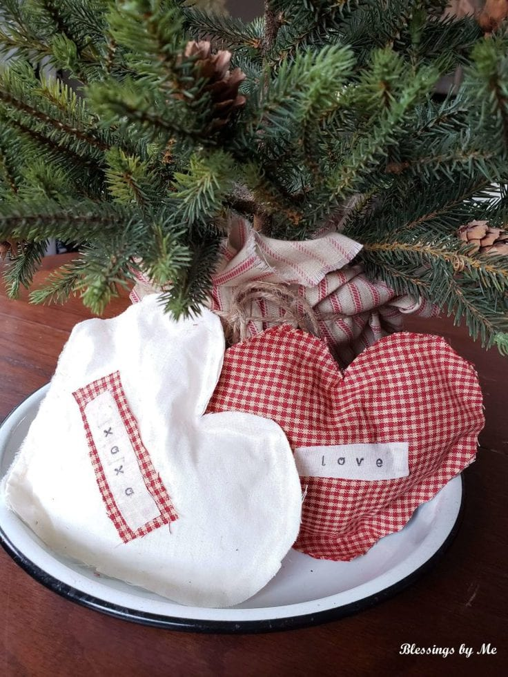 2 fabric heart sachets, one white with