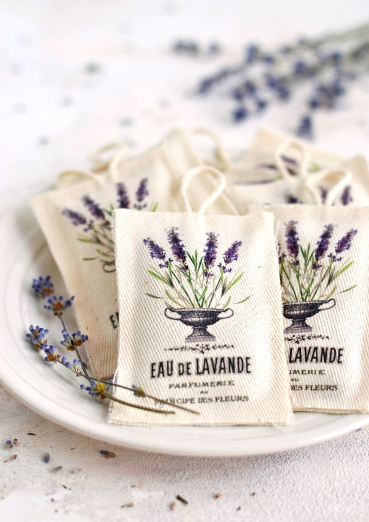 Small sachets that have pictures of lavender plants on them from The Graphics Fairy.