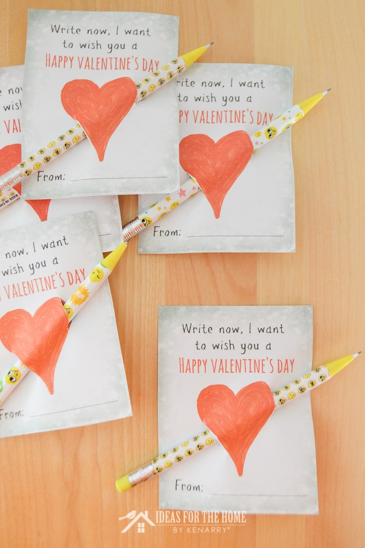 Kid's valentines with pencils that say