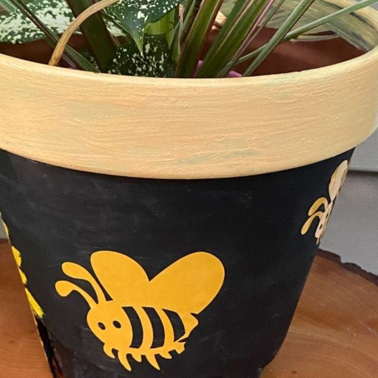Flower  Pot Makeover with Sunflowers and Bumblebees